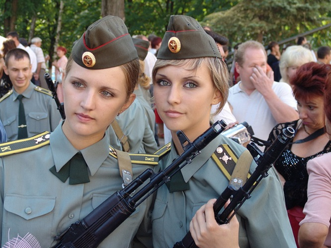 russian_female_soldiers