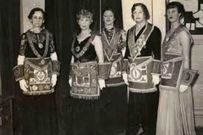 Female Masons