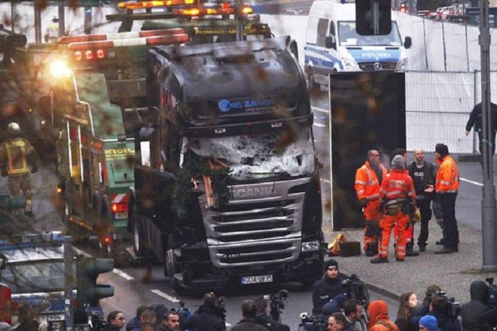 german-truck-crash