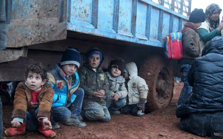 iraqi-children-under-truck